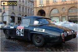 Una foto della partenza del rally da Piazza San Carlo a Torino