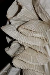 particolare di abito da sposa: creazione Capucci