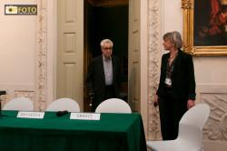 Erwitt alla conferenza stampa di presentazione della mostra a Torino