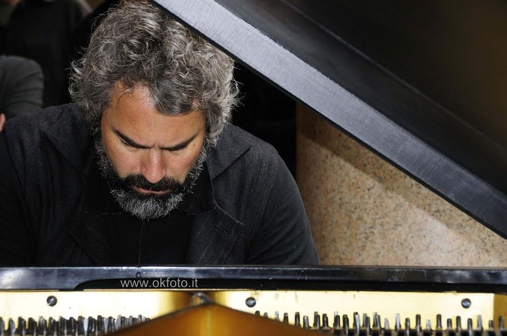 Julian Layn a Torino: le fotografie del concerto in via Roma