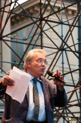 Il sovrintendente Rai, Dall'Ongaro, legge il messaggio del ministro Bray