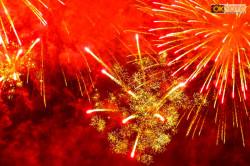 Un suggestivo particolare dei fuochi d'artificio di Montecarlo