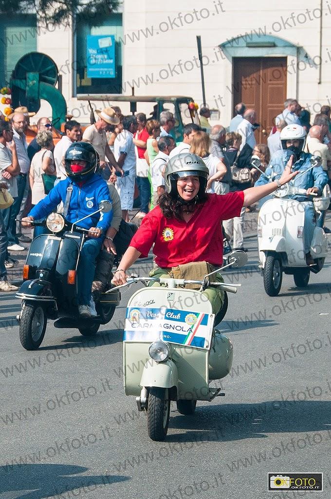 Vespa, le fotografie del raduno di Carmagnola