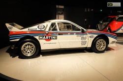 Macchina da rally Lancia 037 Martini