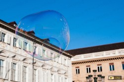 bolle di sapone in piazza san Carlo