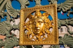 particolare della cancellata di Palazzo Reale