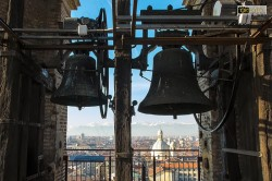 Due delle quattro campane che sormontano il campanile del Duomo di Torino