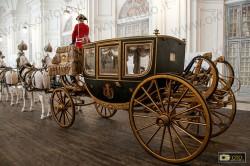 La mostra delle carrozze regali negli spazi delle Scuderie Juvarriane alla Reggia di Venaria