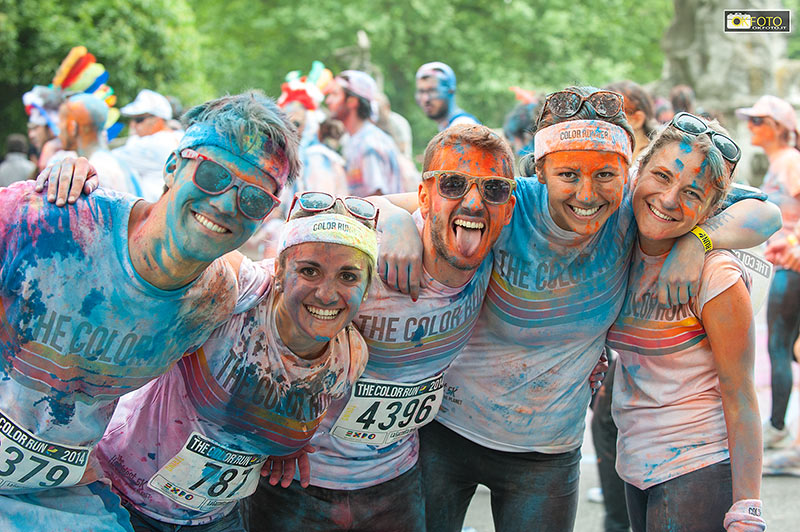 The color run, participanti colorati e festosi