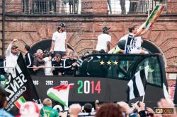 i giocatori della Juve sul pullman per festeggiare lo scudetto