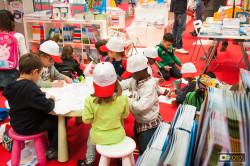 bambini all'opera al Salone del libro