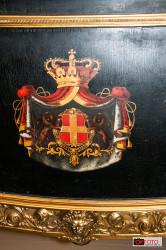 Lo stemma dei Savoia sulla carrozza esposta nella  Scuderia juvarriana