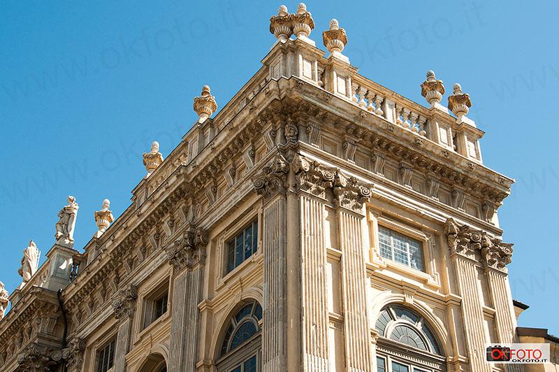 particolare della facciata di Palazzo Madama
