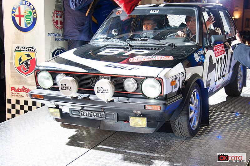 L'equipaggio vincitore del rallye storico di Monte Carlo