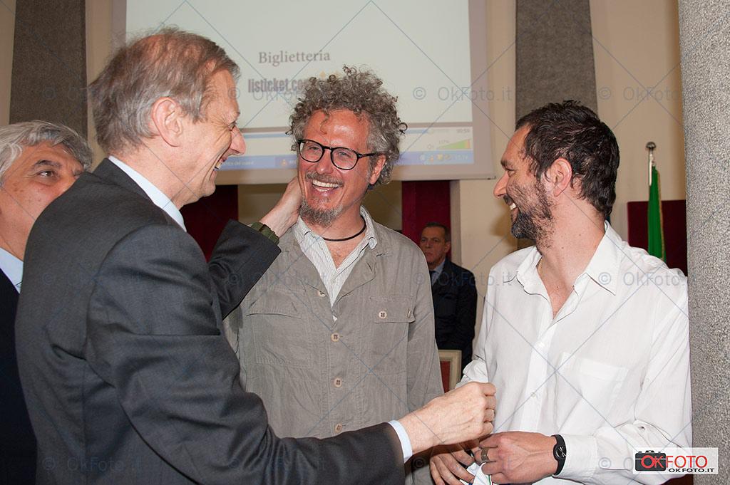 Piero Fassino con Niccolò Fabi e Bootsa