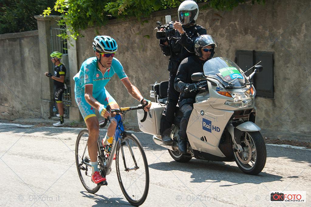 Vincenzo Nibali sulla salita di Superga