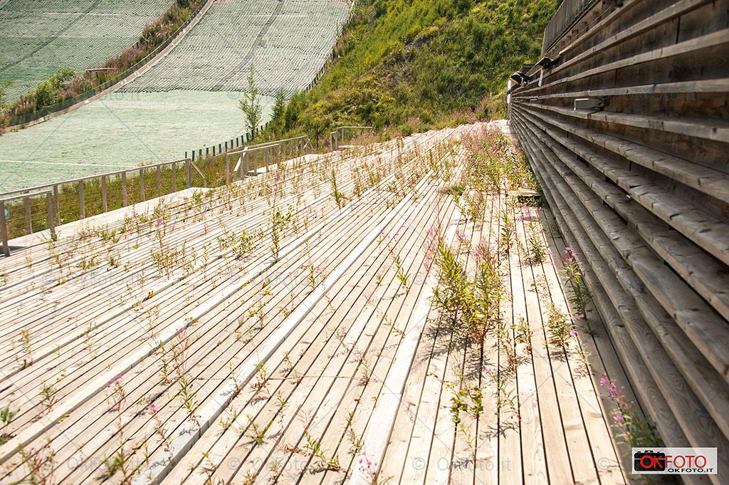 Pragelato: la mancata manutenzione della tribuna dello stadio dei trampolini