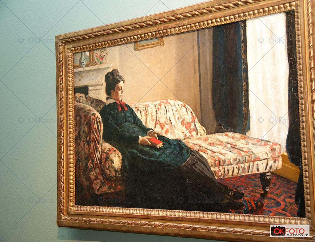 La signora Monet sul divano alla GAM di Torino