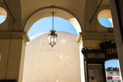 I portici di piazza Vittorio e la bolla della Sony