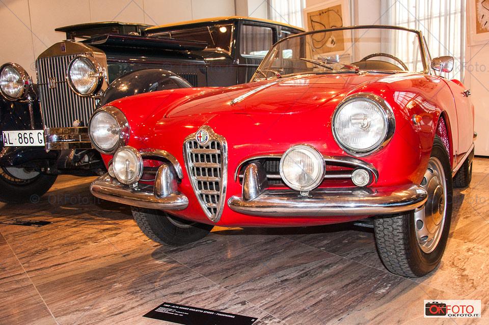 Alfa Romeo spider all'asta organizzata a Torino per Natale