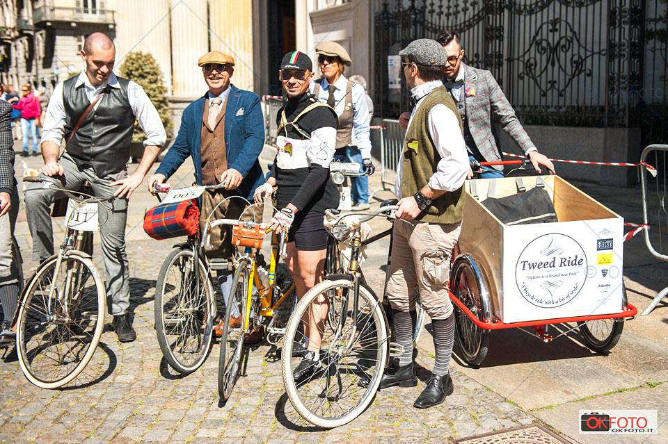 Abbigliamento e bici d'epoca alla tweed ride di Torino