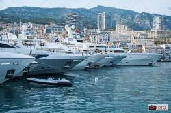 Yacht ormeggiati al porto di Monte-Carlo