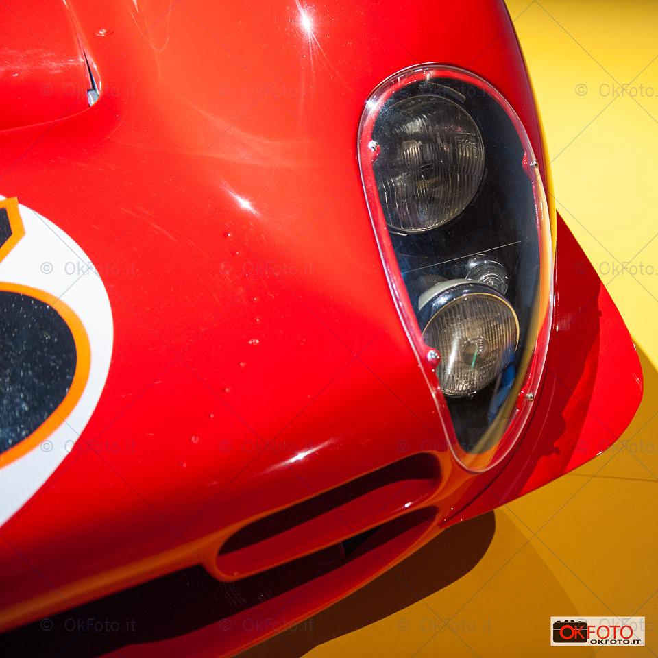 Particolare delle luci della Ferrari 330 P4