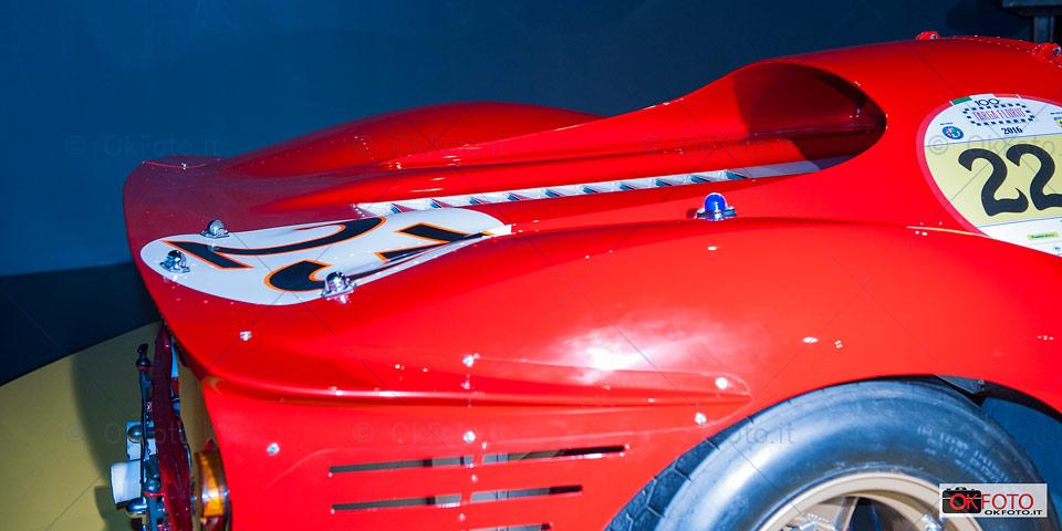La Ferrari 330 P4 di Bandini-Amon