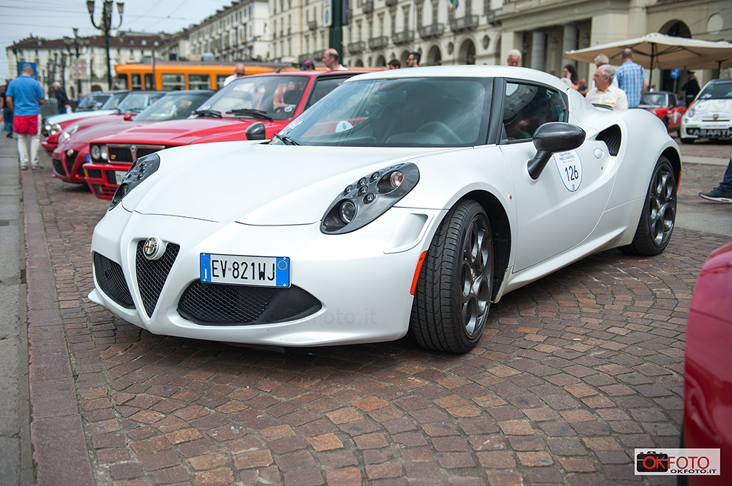 Le auto del Gran Premio in piazza Vittorio a Torino