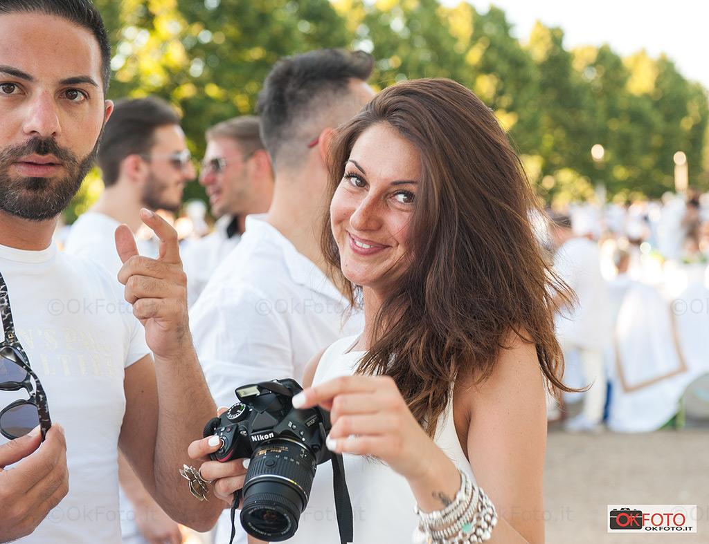 tanti fotografi accreditati alla cena in bianco Torino 2017