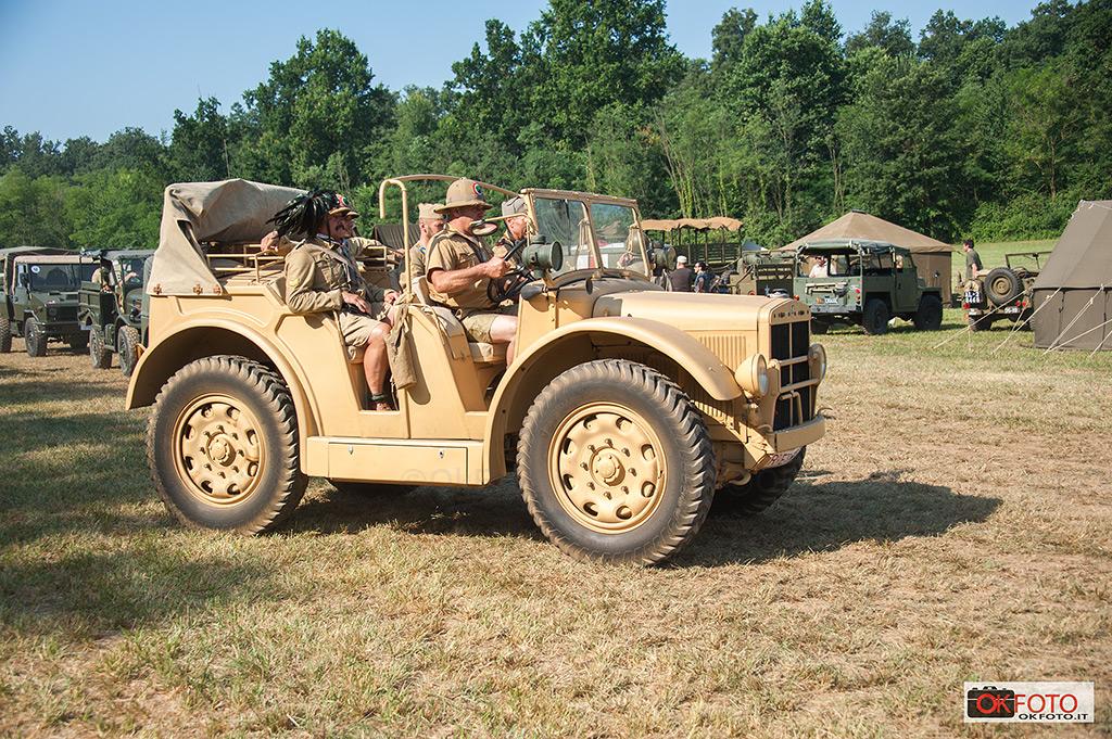 Un mezzo militare SPA in movimento a Militali a Ternavasso