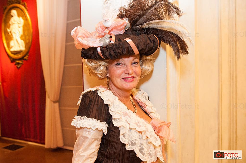 La raffinata eleganza delle dame alla Nuit Royale