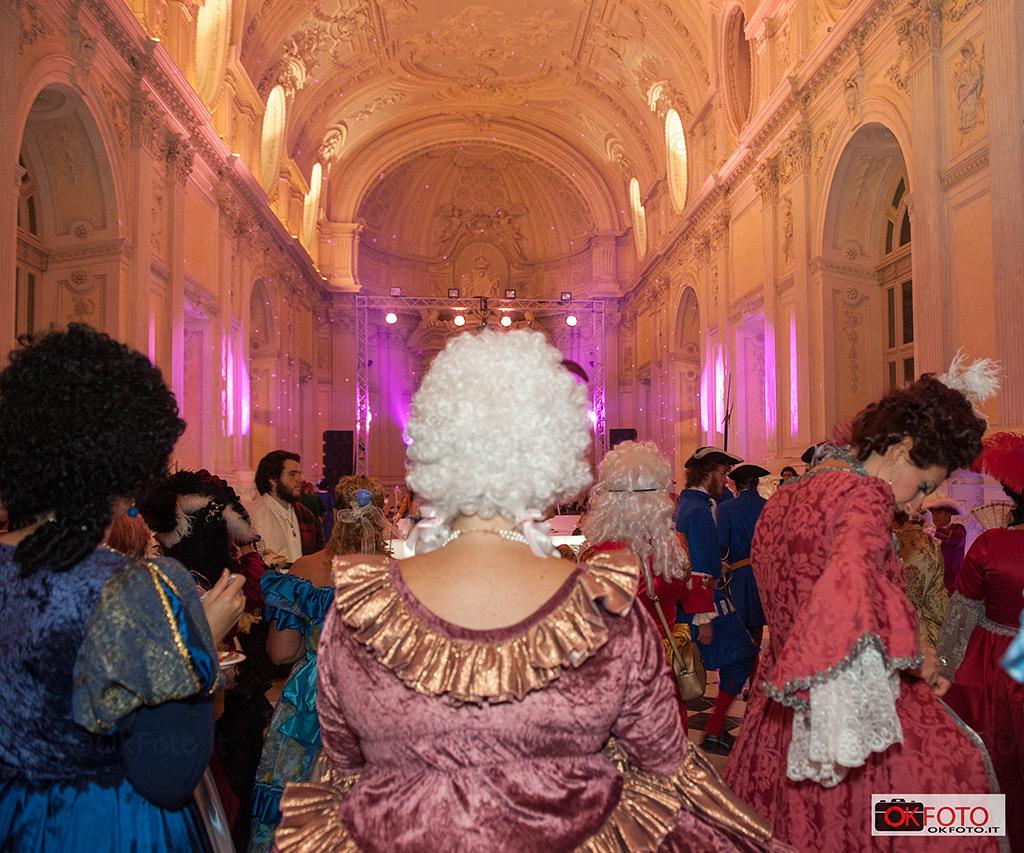 Il gran ballo denna Nuit Royale nella Galleria di Diana