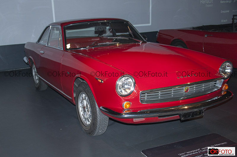 Il coupe Amarth 2400 appartenuto a Carlo Abarth esposto al Salon retromobile