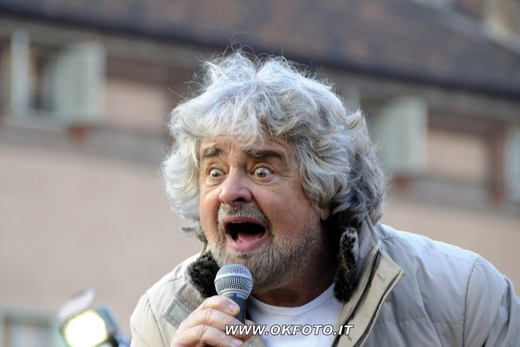 Beppe Grillo, le foto in piazza Castello a Torino