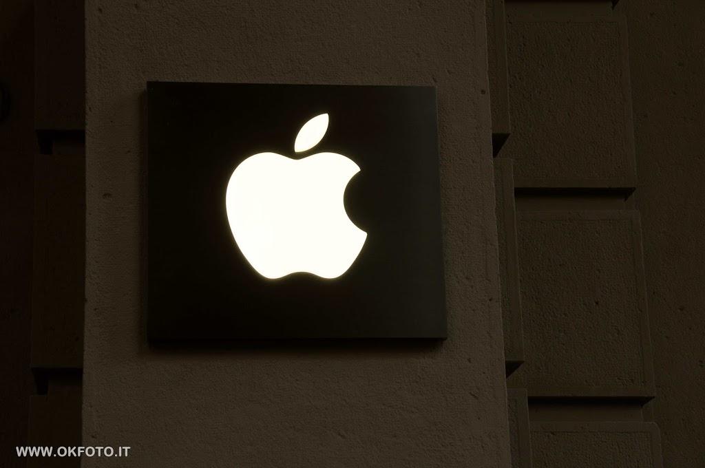 Apple store di via Roma a Torino, ladri ancora in azione