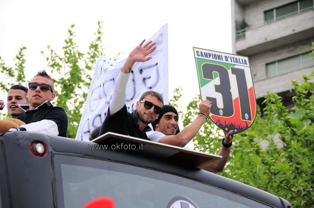 Juventus Campione d'Italia 2012-2013: le fotografie della festa dei tifosi bianconeri